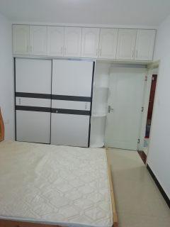 (东宝区)白云广场1室1厅1卫1300元/月60m²出租