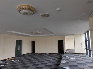 (东宝区)华铭广场1室0厅0卫5700元/月190m²出租