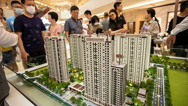 住建部:中国常住人口城镇化率达63.89%